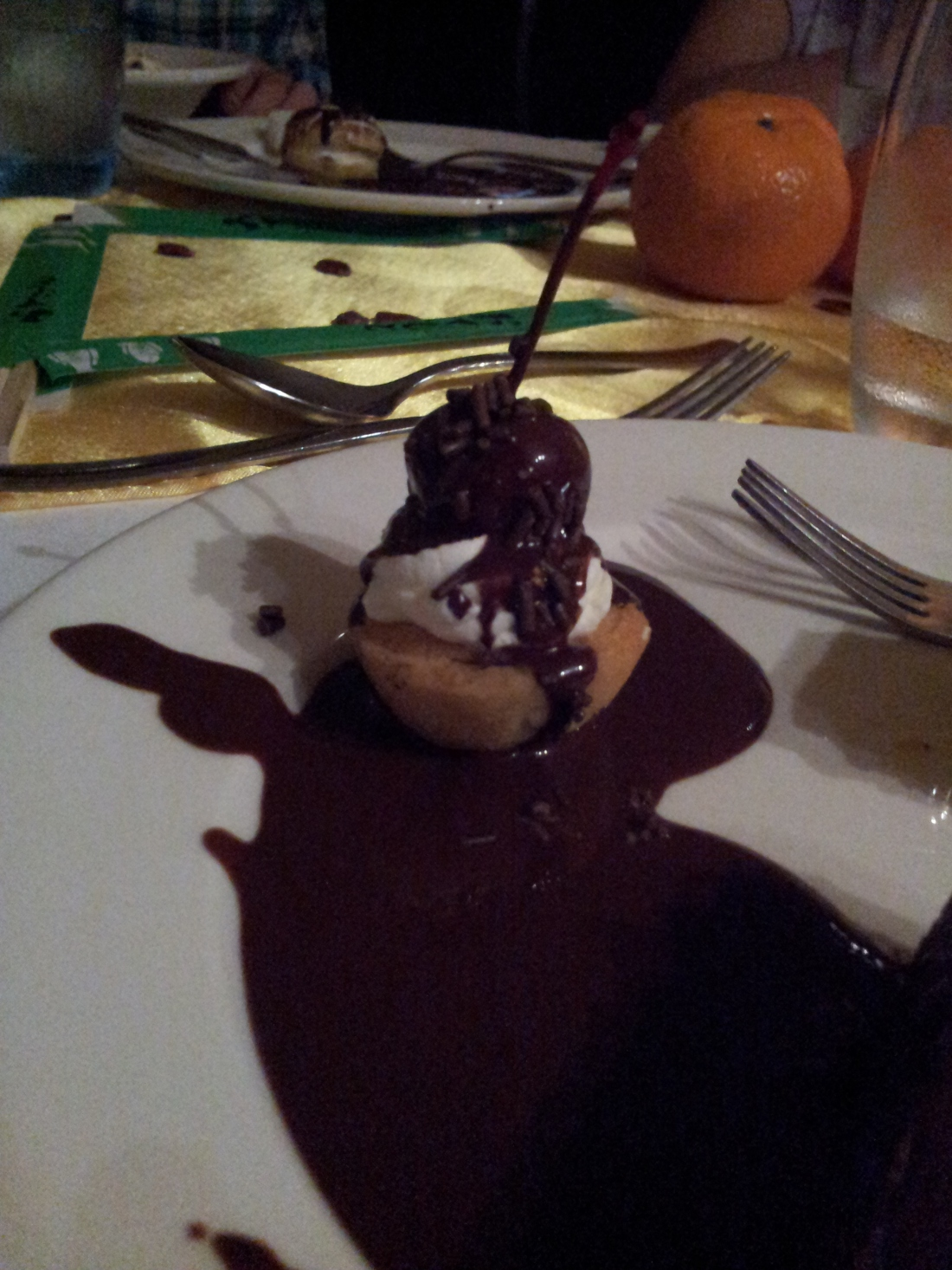 little chocolate castle dessert