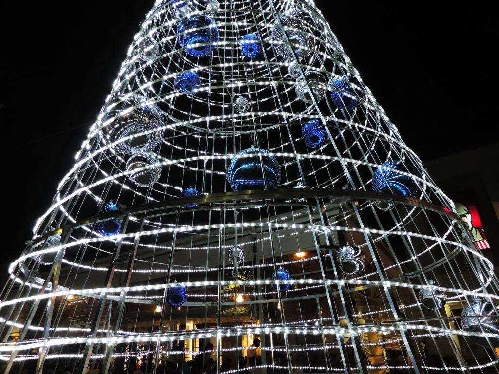 silver christmas tree 2
