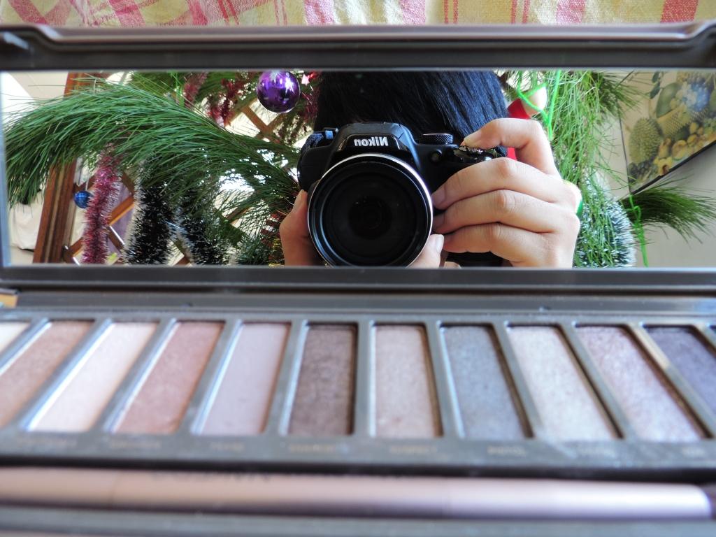 camera into mirror